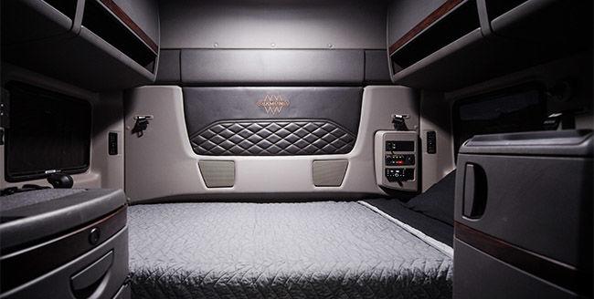 International Truck HX Series - Diamond Elite Interior
